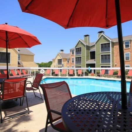 Post Oak Apartments Lifestyle - Pool Deck