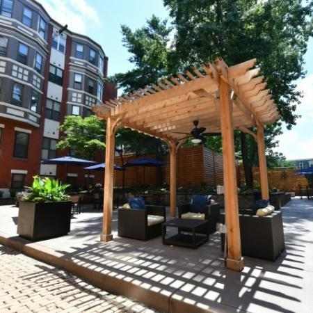 Enclosed Community Courtyard - Carriage House Apartments Lifestyle