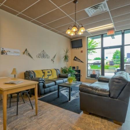 River Market Apartments Leasing Office In West Lafayette Near Purdue University
