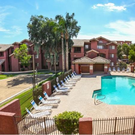 Villas on Apache Apartments Lifestyle - Swimming Pool And Volleyball Court