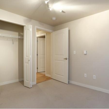 2x1 Classic Bedroom