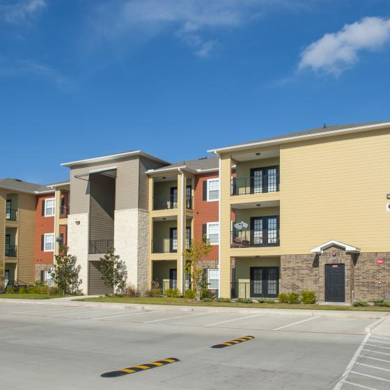 Richmond Apartment Community | Apartments In Richmond Texas | Advenir at Grand Parkway West