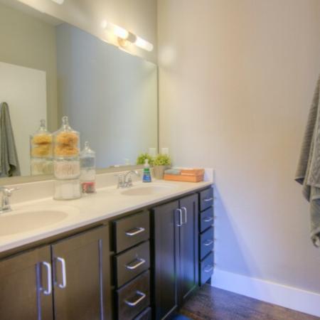 Elegant Shared Bathroom   Apartments Minneapolis, MN   44 North
