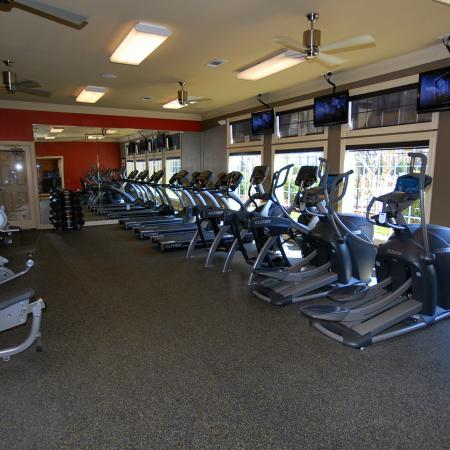 On-site Fitness Center | Chicago IL Apartments For Rent | Student Quarters Murfreesboro - Rutherford