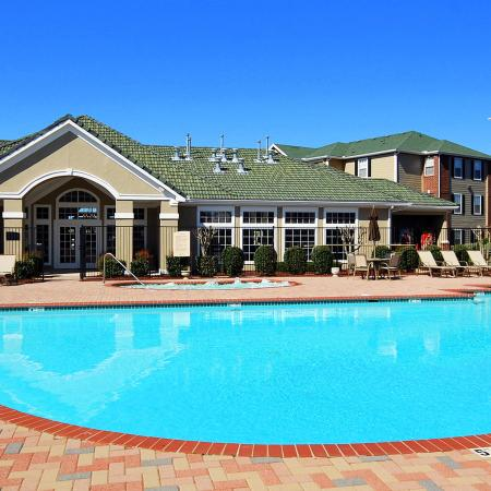 Resort Style Pool | Apartments in Chicago, IL | Student Quarters Murfreesboro - Rutherford