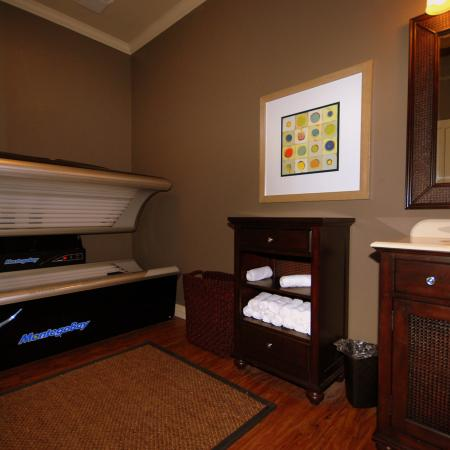 Resident Laundry Room | Apartments Homes for rent in Chicago, IL | Student Quarters Murfreesboro - Rutherford