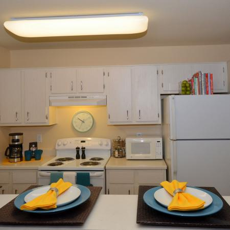 Modern Kitchen | Chicago IL Apartment For Rent | Student Quarters Murfreesboro - Rutherford
