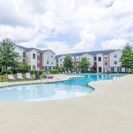 Swimming Pool | Apartment Homes in Murfreesboro, TN | The Pointe at Raiders Campus