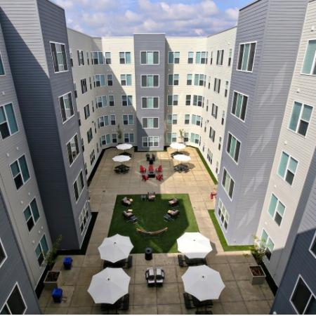 Community Sun Deck | Apartments in Louisville, KY | The Clubhouse