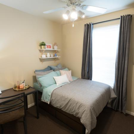 Spacious Bedroom | College Station TX Apartment Homes | Parkway Place