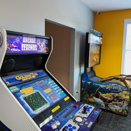 Resident Game Room | Apartments in Edwardsville, IL | Enclave