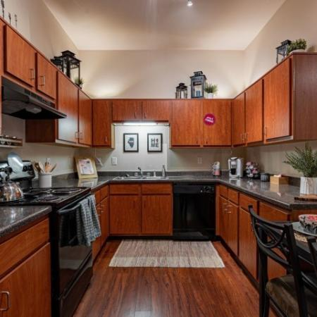 State-of-the-Art Kitchen | Normal IL Apartment Homes | The Edge on Hovey