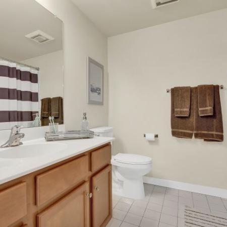Spacious Bathroom | Newark DE Apartment For Rent | Rittenhouse Station