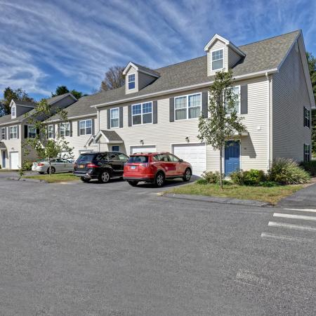 Mansfield Center CT Apartments | Meadowbrook Gardens