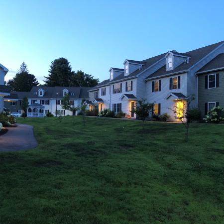 Apartment Homes in Mansfield Center, CT | Meadowbrook Gardens
