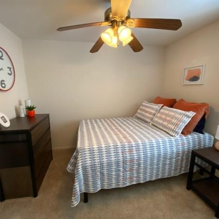 Residents in Private Bedroom | Apartment Homes in Mt Pleasant, MI | University Meadows
