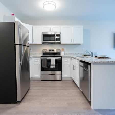 State-of-the-Art Kitchen   Mansfield Center CT Apartment Homes   Meadowbrook Gardens