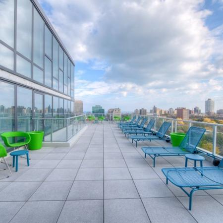 Residents Enjoying on the Sun Deck | Apartments for rent in Chicago, IL | Vue 53