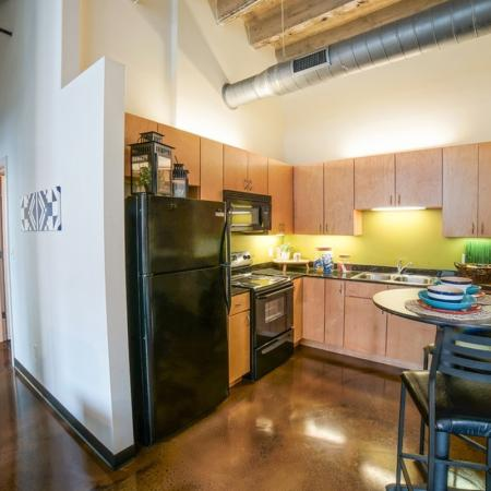 State-of-the-Art Kitchen   Chicago IL Apartment Homes   Tailor Lofts