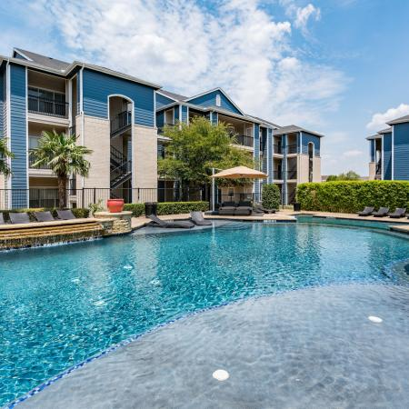 Swimming Pool | Apartment Homes in Denton, TX | Castlerock at Denton