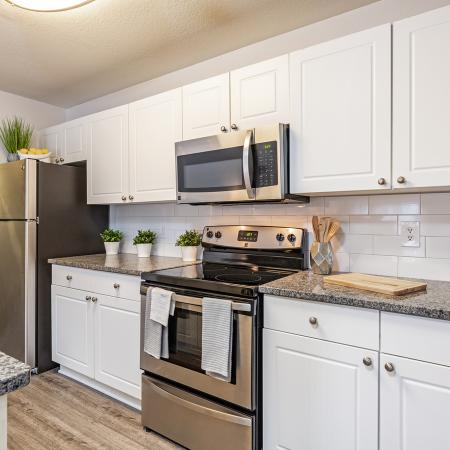 State-of-the-Art Kitchen | Tampa FL Apartment Homes | Station 42