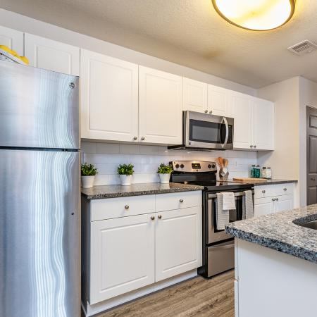 Luxurious Kitchen | Apartment Homes in Tampa, FL | Station 42