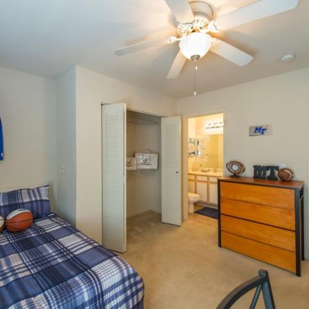 Vast Bedroom | Apartments for rent in Murfreesboro, TN | Campus Crossing