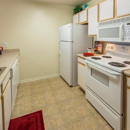 Elegant Kitchen | Apartments in Murfreesboro, TN | Campus Crossing