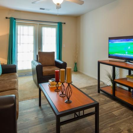Spacious Living Room | Apartments in Murfreesboro, TN | Campus Crossing