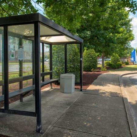 Nearby Bus Stop | Apartments in Murfreesboro, TN | Campus Crossings