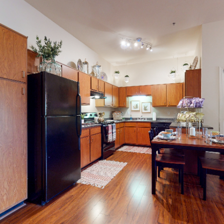 Modern Kitchen | | The Edge on Hovey | Apartments in Normal, IL