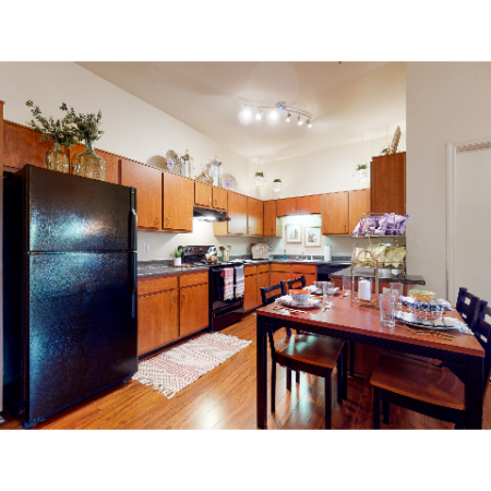 Dining-Kitchen Area | | The Edge on Hovey | Apartments in Normal, IL