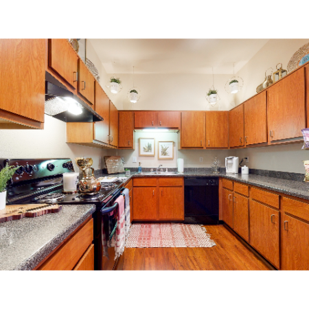 Modern Kitchen | The Edge on Hovey | Apartments in Normal, IL