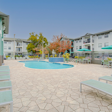 Community Sun Deck | Station 42 | Apartments in Tampa