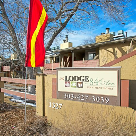 Federal Heights Colorado Apartments | The Lodge on 84th