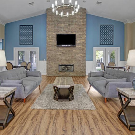 Craigslist Com Ny Apartments: Contact Hamptons At Woodland Pointe