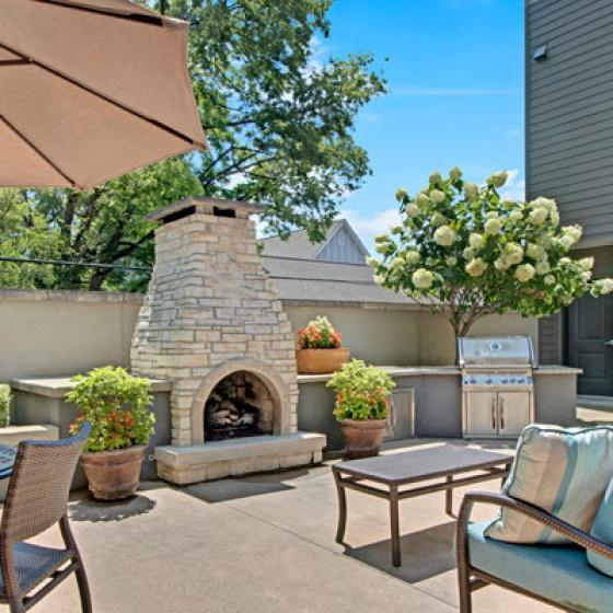 Community BBQ Grills and Fireplace | Best Apartments In Nashville | Note 16