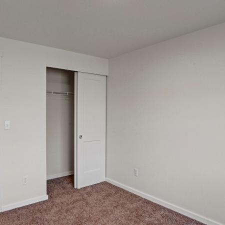 Elegant Bedroom | Apartments Kennewick Wa | Heatherstone
