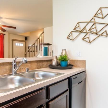 Luxurious Kitchen | Apartments Pasco Wa | Navigator Villas