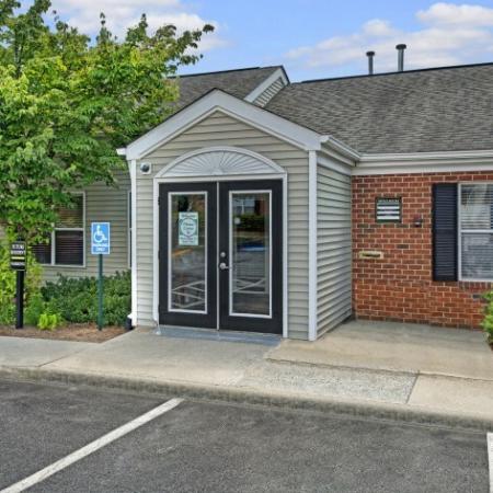 Leasing Office     Apartments In Charlottesville VA   Mallside Forest