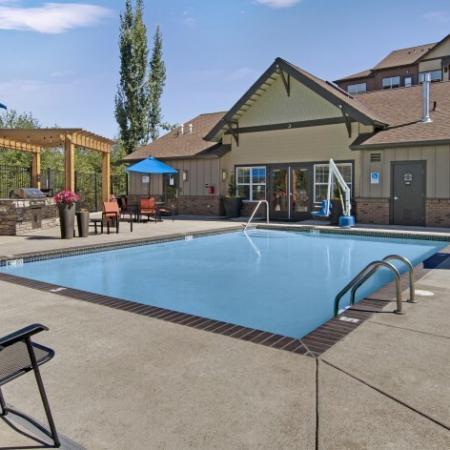 Sparkling Pool  | Portland Oregon Apartments Pet Friendly | Element 170
