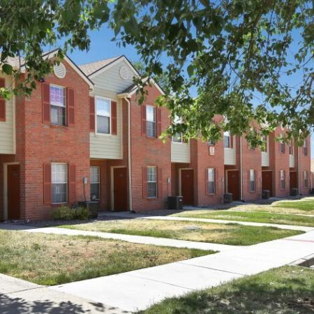 3 Bedroom Apartments In Northglenn CO | Greens At Northglenn Apartments