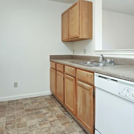 Elegant Kitchen | Apartments For Rent In Northglenn CO | Greens At Northglenn Apartments