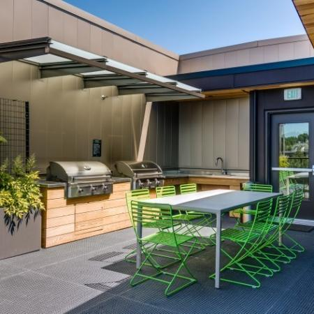 Rooftop Deck with BBQs and Picnic Area | Augusta Apartments | University District apartments