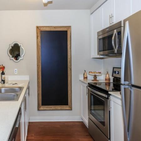 Luxurious Kitchen | Outlook at Pilot Butte Apartments | Bend Oregon Apartments