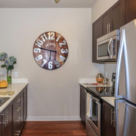Streamlined Kitchen | Outlook at Pilot Butte Apartments | Bend Oregon Apartments
