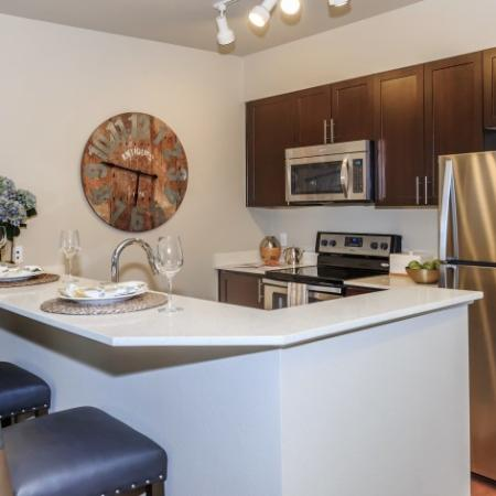 Island with Dining Bar  in Dining Area | Outlook at Pilot Butte Apartments | Apartments For Rent Bend Oregon