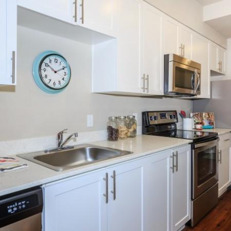 Complete Appliance Package in the Kitchen | Outlook at Pilot Butte Apartments | Apartments For Rent Bend Oregon