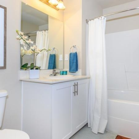 White on white Bathroom | Outlook at Pilot Butte Apartments | Bend Oregon Apartments