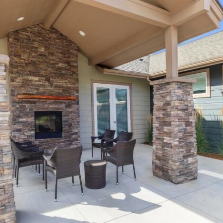 Community Patio | Outlook at Pilot Butte Apartments | Apartments Bend Oregon